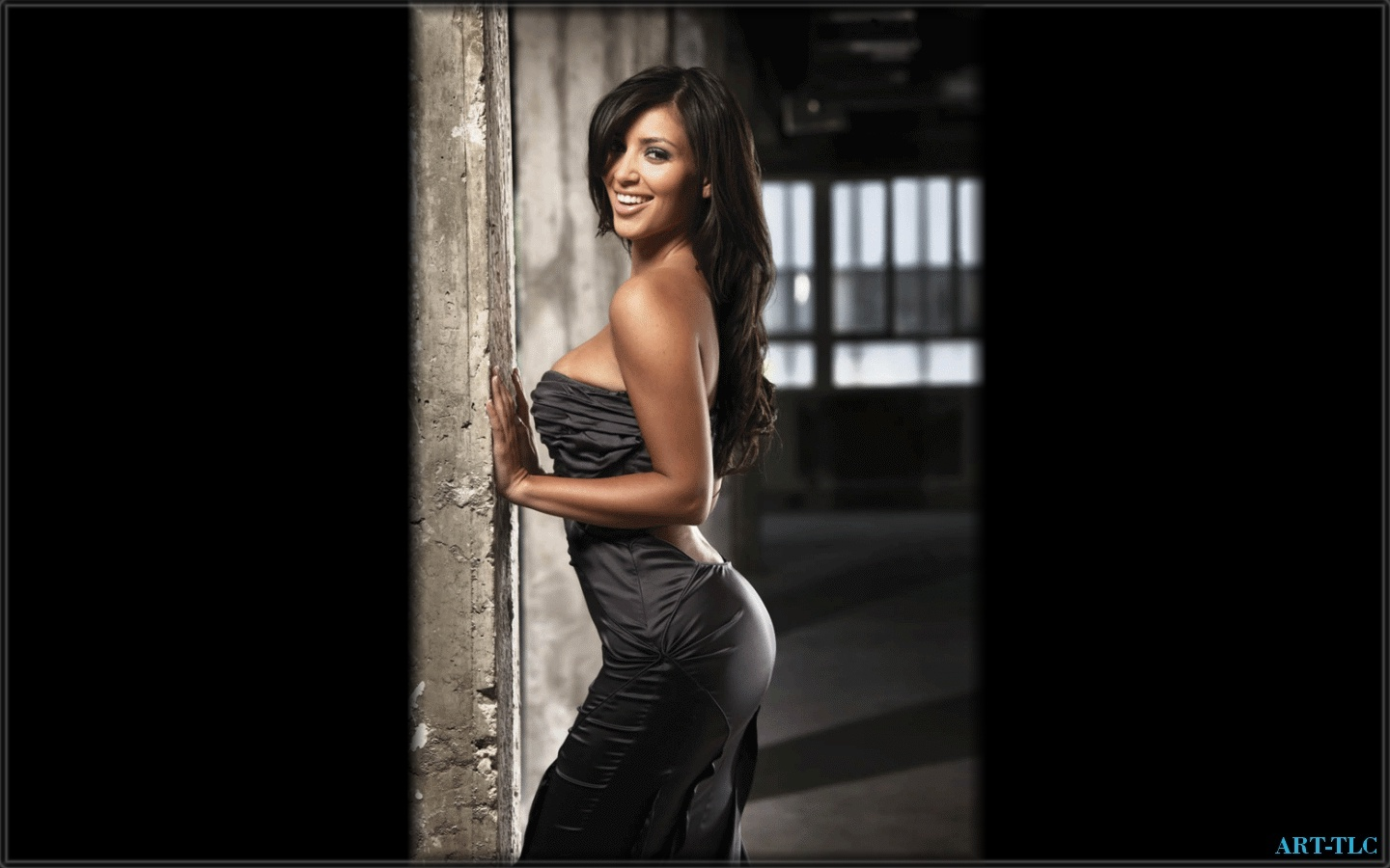 Kim Kardashian wallpaper 2012